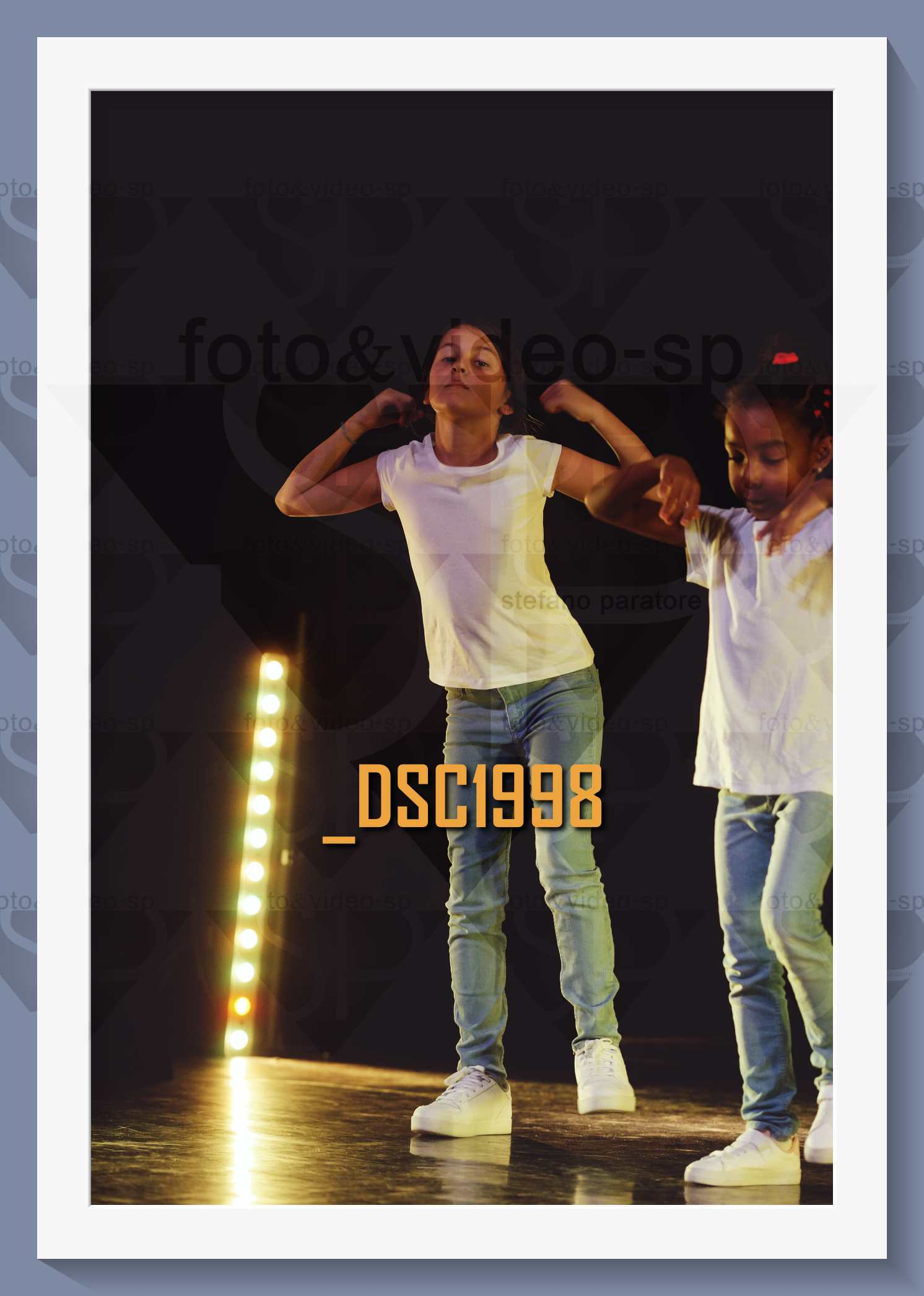 DSC1998